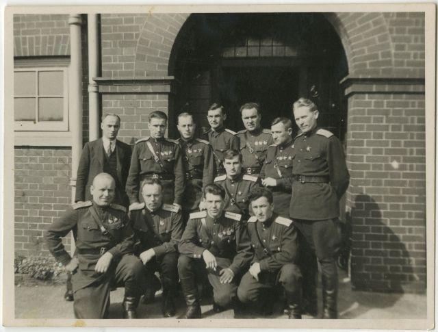 Soviet_Pilots_In_Errol_1943